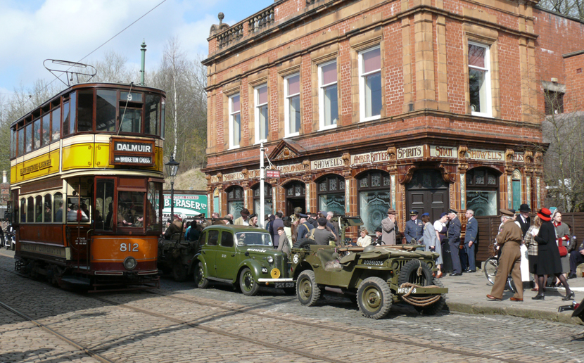 1940's pub and 812