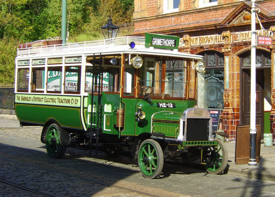 Barnsley & District Combination Car outside Red Lion